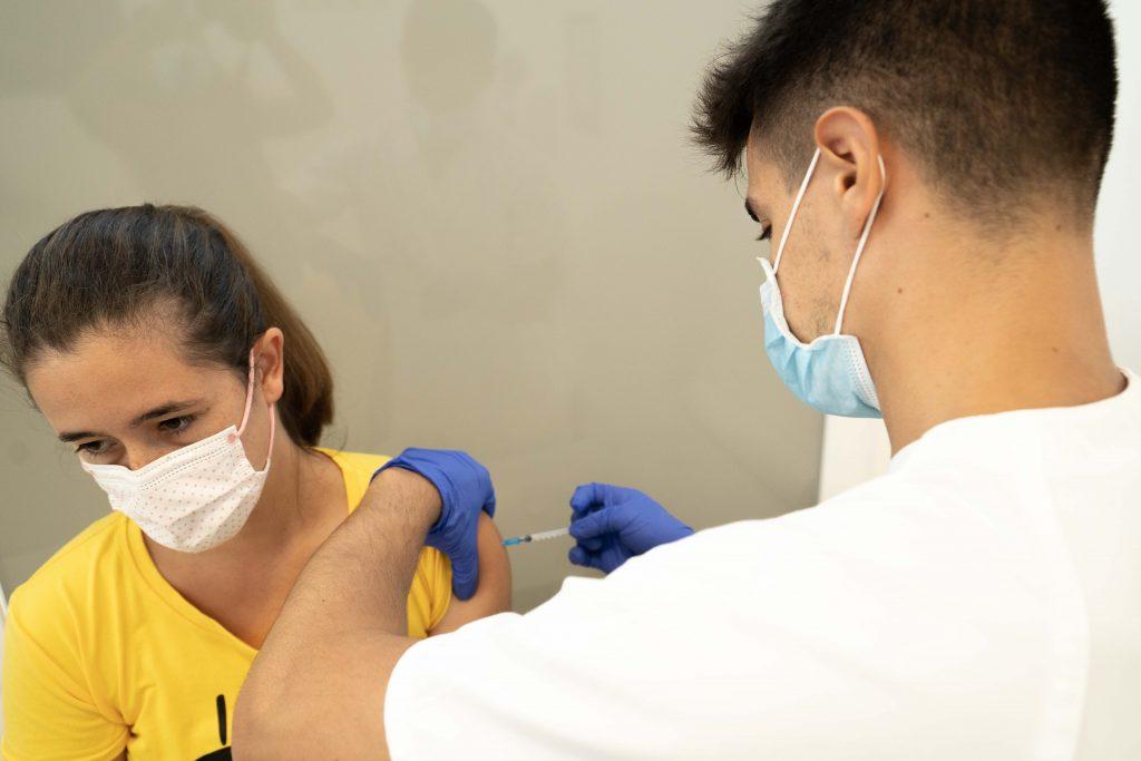 Cierra la línea de vacunación de la Clínica Vila Parc 2