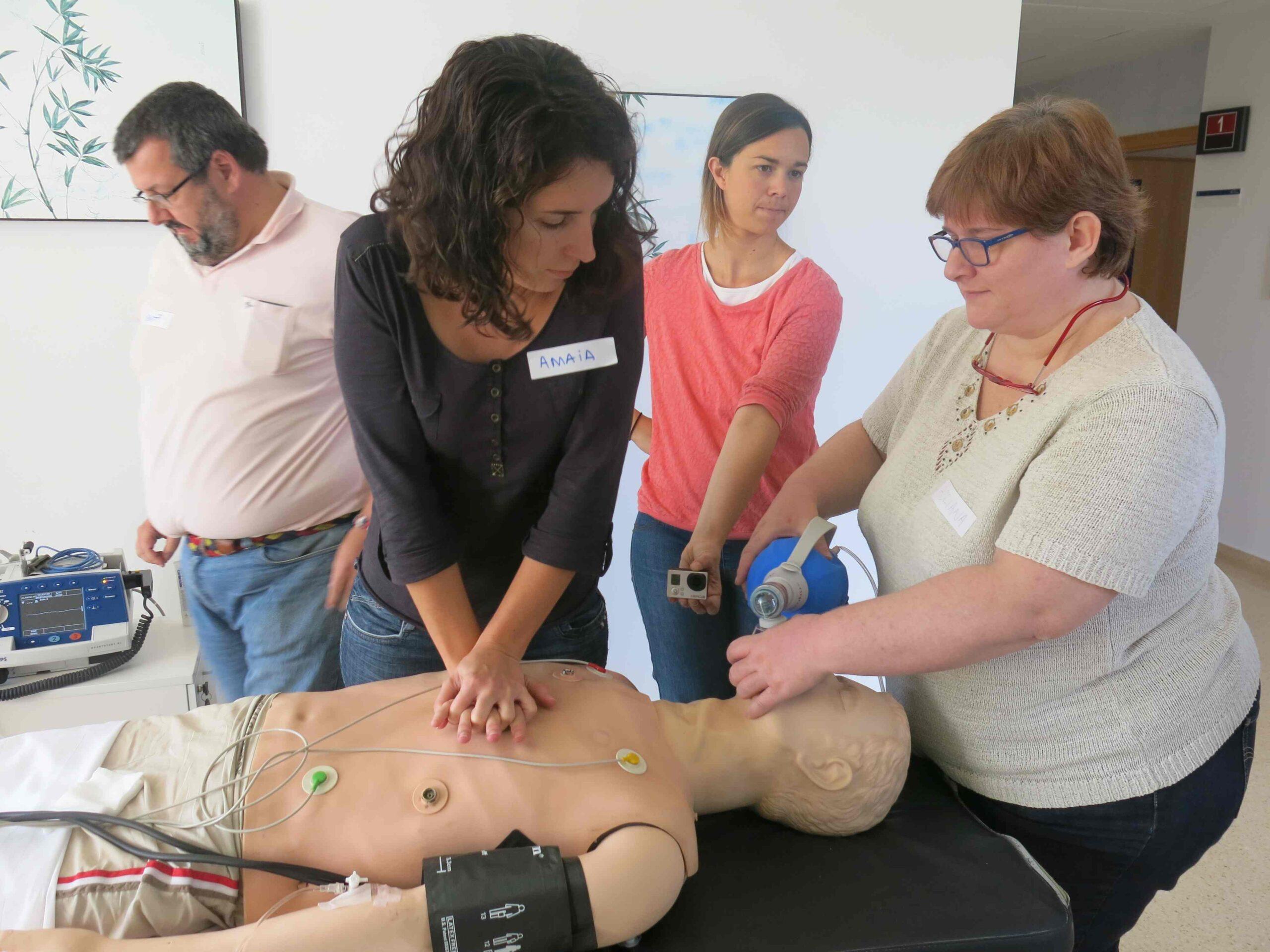 El Grupo Policlínica organiza un curso de Soporte Vital Avanzado (SVA) para su personal sanitario.    1