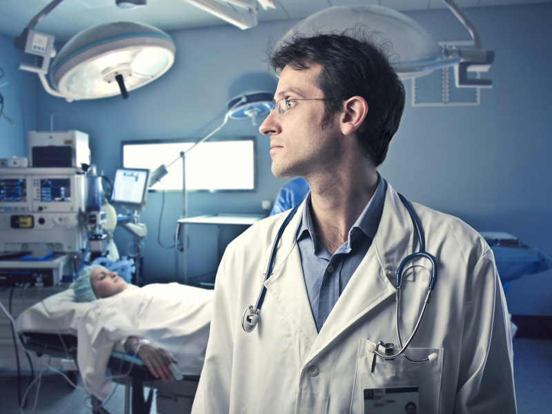 La primera cirugía laparoscópica de Policlínica se realizó en el año 1.989 2